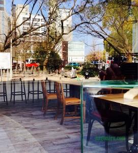 テーブルの上の公園